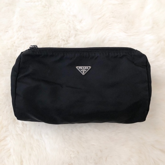 529cf9c97594 PRADA Black Nylon Large Cosmetic Makeup Bag. M 5a823f082ab8c57bd58554c8